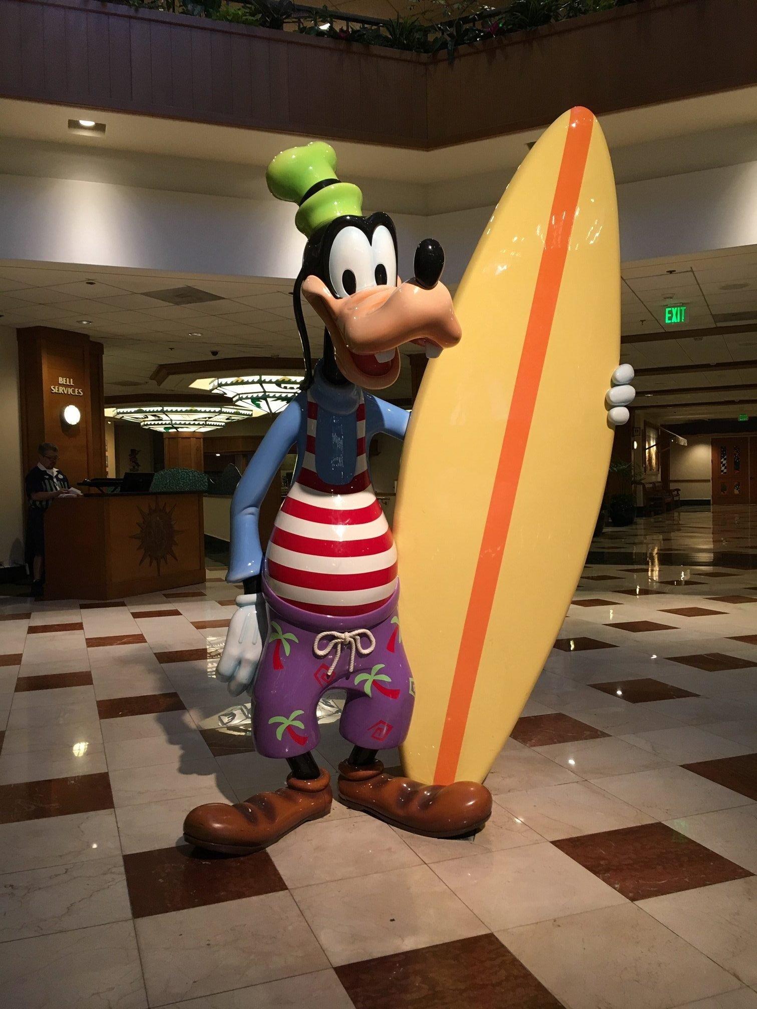 Paradise Pier Hotel Disneyland Lobby