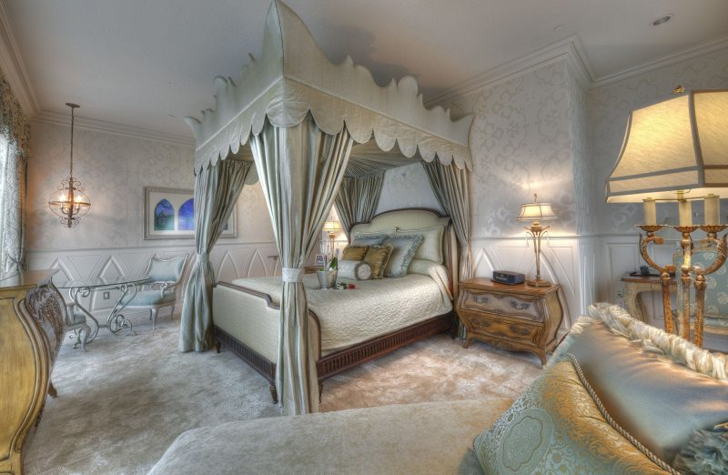 The Incredible Signature Suites of the Disneyland Hotel