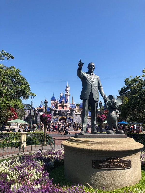 Disneyland Walt Disney Partners Statue