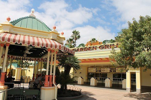 Quick Service Restaurant Disneyland Paradise Grill
