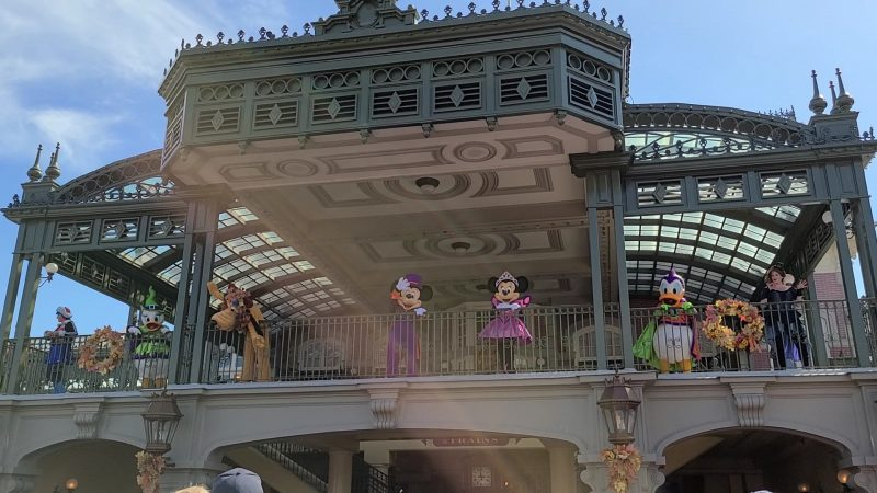 characters at Magic Kingdom